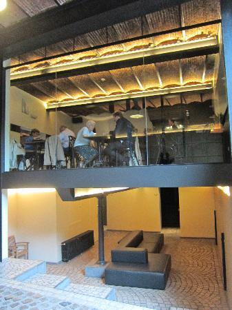 De Groene Hendrickx: Restaurant with access to rooms underneath