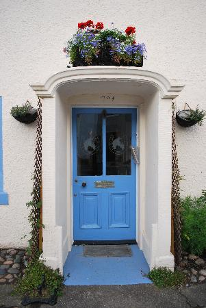 The Bay Horse Bed and Breakfast: The inviting front door