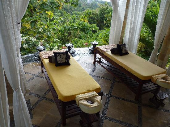 Puri Mangga Sea View Resort & Spa: the place to be !!