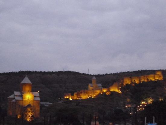 Tbilisi Hostel: Tbilisi night skyline