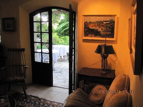 Les Orangers: Lounge Area