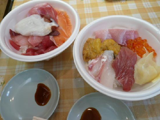 Aomori Gyosai Center: oh my lovely fishbowls!
