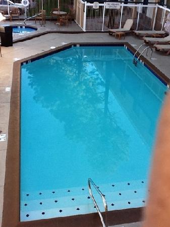 Baymont Inn and Suites Flagstaff: Swimming pool area