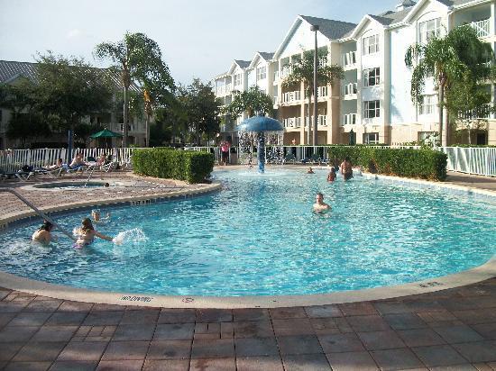 سامر باي أورلاندو باي إكسبلوريا ريزورت: One of the 4 pools