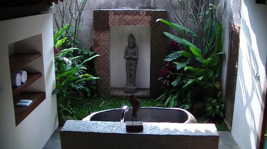 Jadul Village Resort & Spa: Bathroom