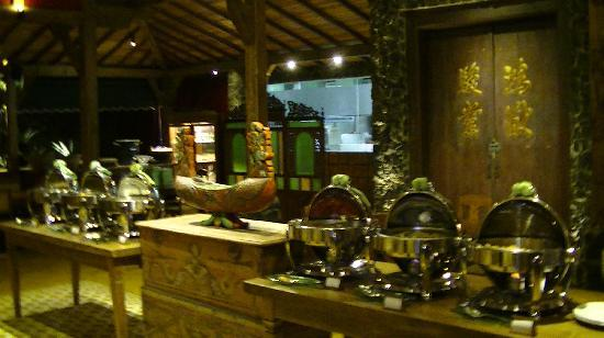 Jadul Village Resort & Spa: Buffet