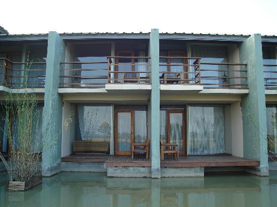 Kumudara Hotel Bagan: Suites balconies