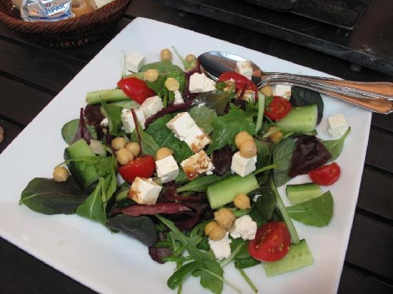 Le Brasserie: Salad that comes with the Brasserade