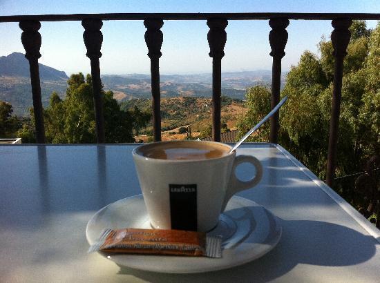 Hotel Caballo Andaluz: Un cafe por la mañana en la terraza del Hotel