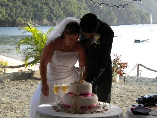 Naturalist Beach Resort: Beautiful site for both ceremony and reception!
