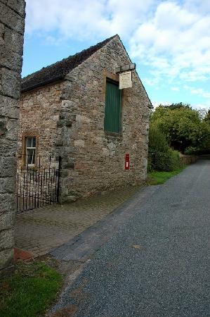 Church Farm Holiday Cottages : The entrance to Church Farm