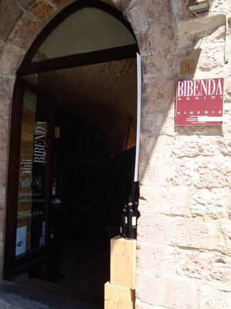 Bibenda: Entrance vinery