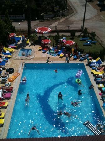 Albatros Apartments: view of the main pool from albatros 2
