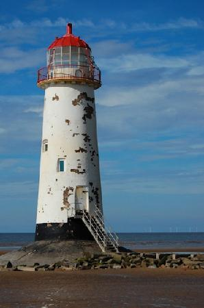 Morgans Bed and Breakfast: Lighthouse on nearby beach