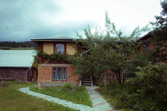 Nad Cheremoshem: The house