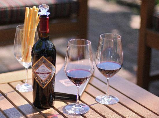 von Strasser and Lava Vine Winery : Patio Tasting at the von Strasser Estate.