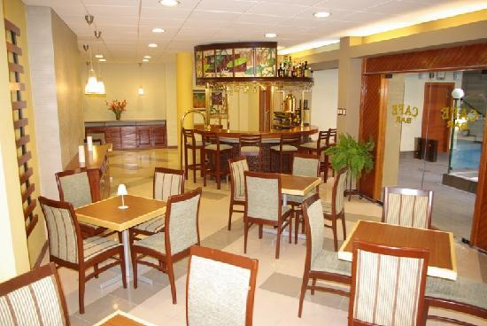 Victoria Regia Hotel Suites Bar Lounge Cafe