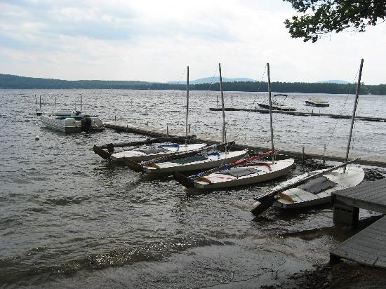 Lake Forest RV Resort : Sailboats at Lake Forest dock