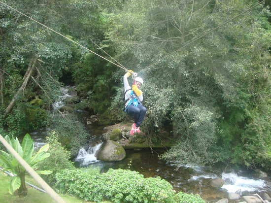 Canopy Tour at Hotel Trogon Lodge: Having fun at Trogon Lodge