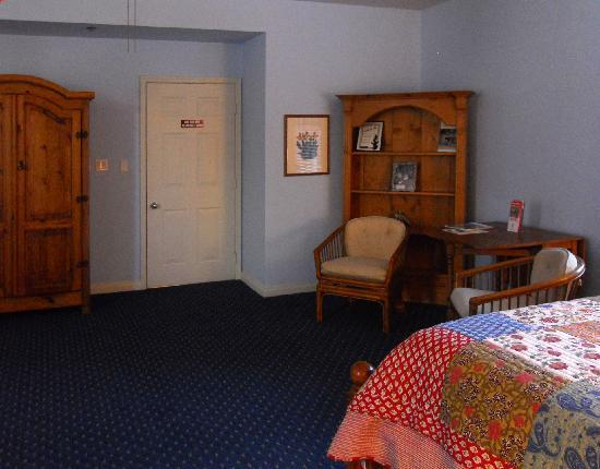 Etta's Place: View of the room