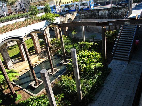 Paddington Reservoir Gardens: a street view