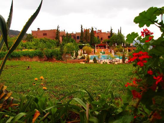 Kasbah Tamadot: Hotel from the gardens