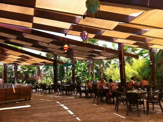 Siam Elegance Resort & Spa : pool restaurant