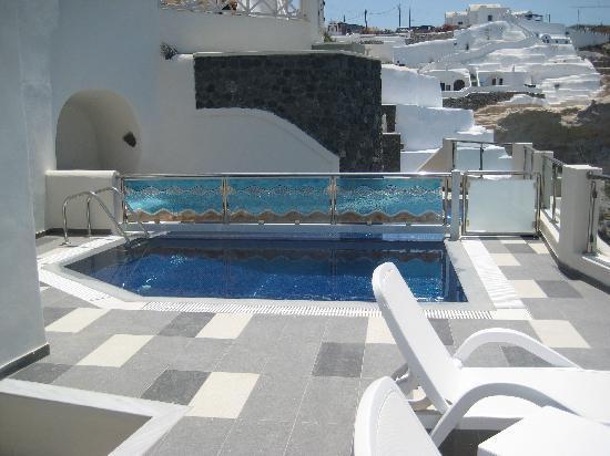 Petit Palace Suites Hotel: notre piscine privée