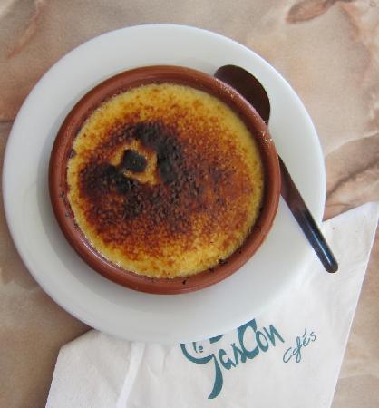 le Plaisantin : The best of all - Crème Brulée - only about $3.00