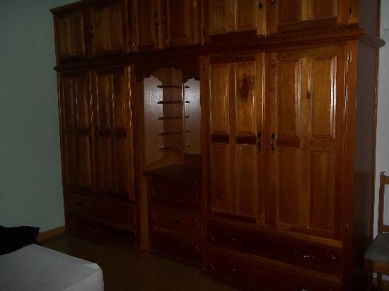 San Fernando, Trinidad: beautiful built in cabinets