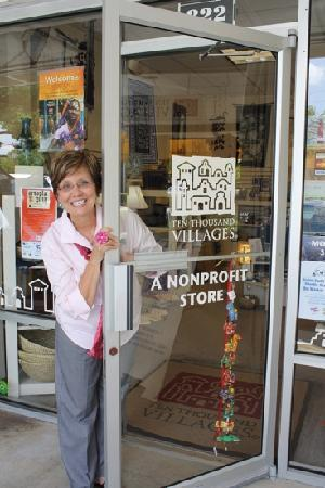 Tallahassee, فلوريدا: Tallahassee Fair Trade at Ten Thousand Villages- The Market District