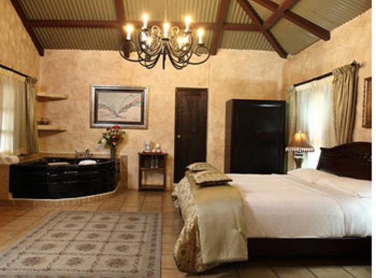 Valle Escondido Resort Golf & Spa: suits x dentro