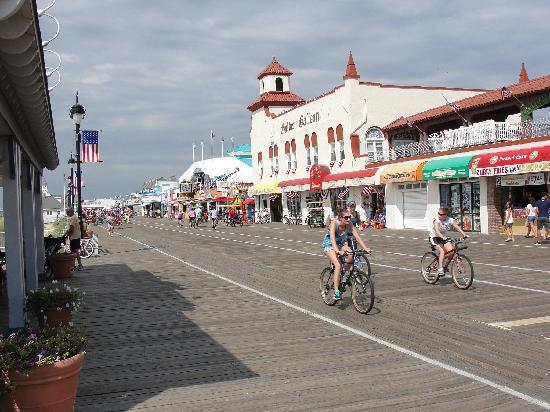 Clarion Inn & Suites Atlantic City North: boardwalk at Ocean City