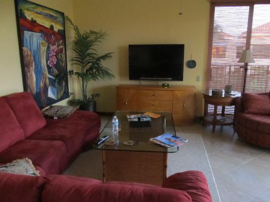 Aston Shores at Waikoloa: Living room unit 323