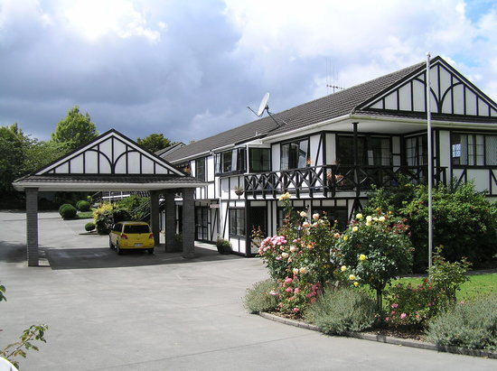 Kingswood Manor Motel