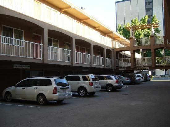 Quality Inn Downtown: Overall view of one of the two main blocks
