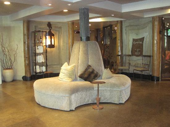 PlumpJack Squaw Valley Inn: Lobby