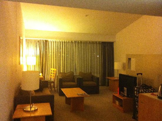 Waipuna Hotel & Conference Centre: lounge room