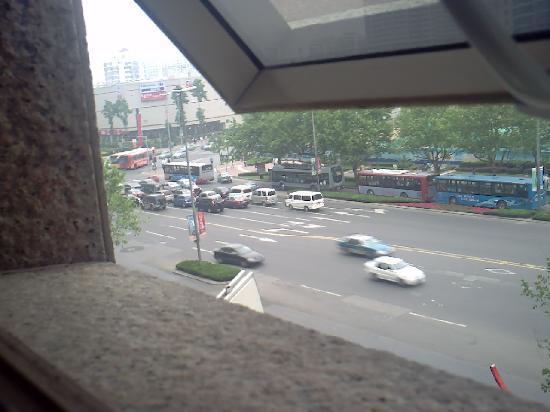 Walk Inn: 窓からの香港中路