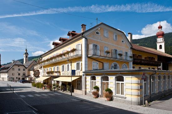 Emma - Historic Hotel