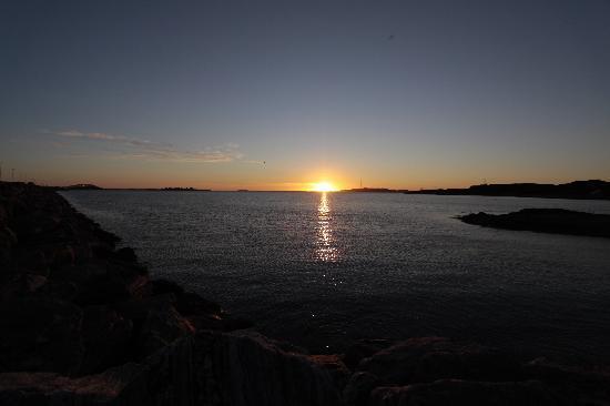 Alesund Airport Hotel: Sonnenuntergang vom Hotel aus