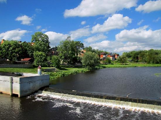 Old Estate Hotel & SPA: Pskova river. The view from the bridge close to the hotel
