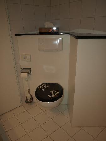 Hotel Bären am Bundesplatz: salle de bain