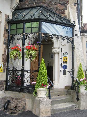 The Cotford Hotel and l'Amuse Bouche Restaurant: Hotel entrance
