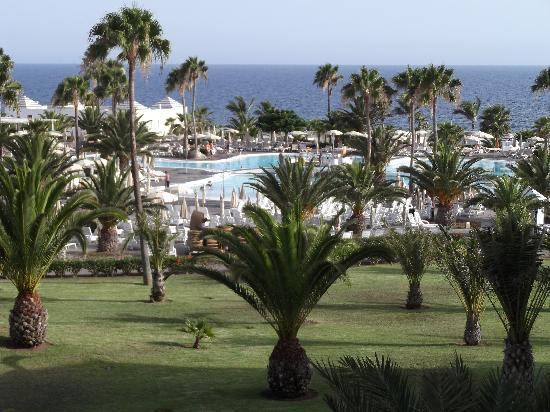 ClubHotel Riu Gran Canaria: grounds from our room
