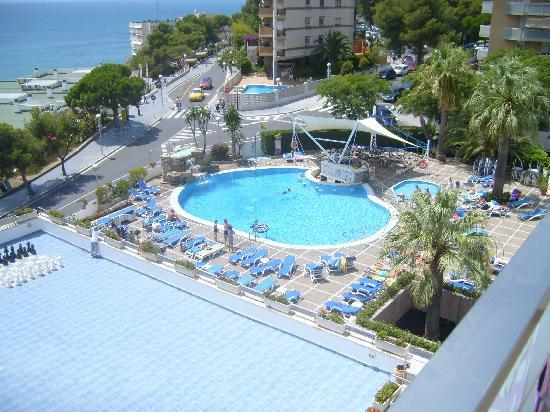 4R Salou Park Resort I: View of pool from room, entertainment was to the right of palm tree