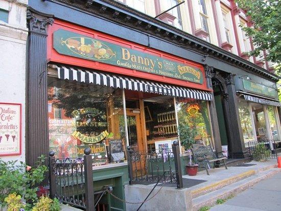 Danny's Market: Danny's 7/2011