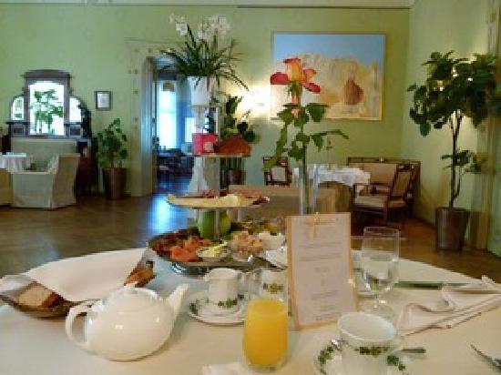 Ammende Villa: Frühstück