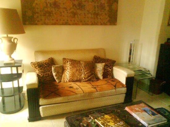 Galerie Huit : Sofa
