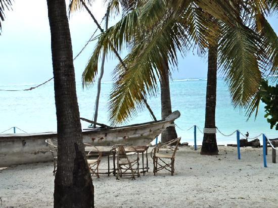 Echo Beach Hotel: Beachfront